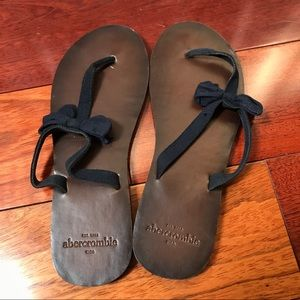 Abercrombie & Fitch blue bow sandals